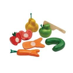 Frutas y verduras realistas de madera