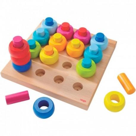 Juego para ensartar roscas de colores de madera