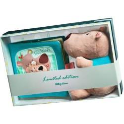 El muñeco del oso César y el libro beso y a la cama